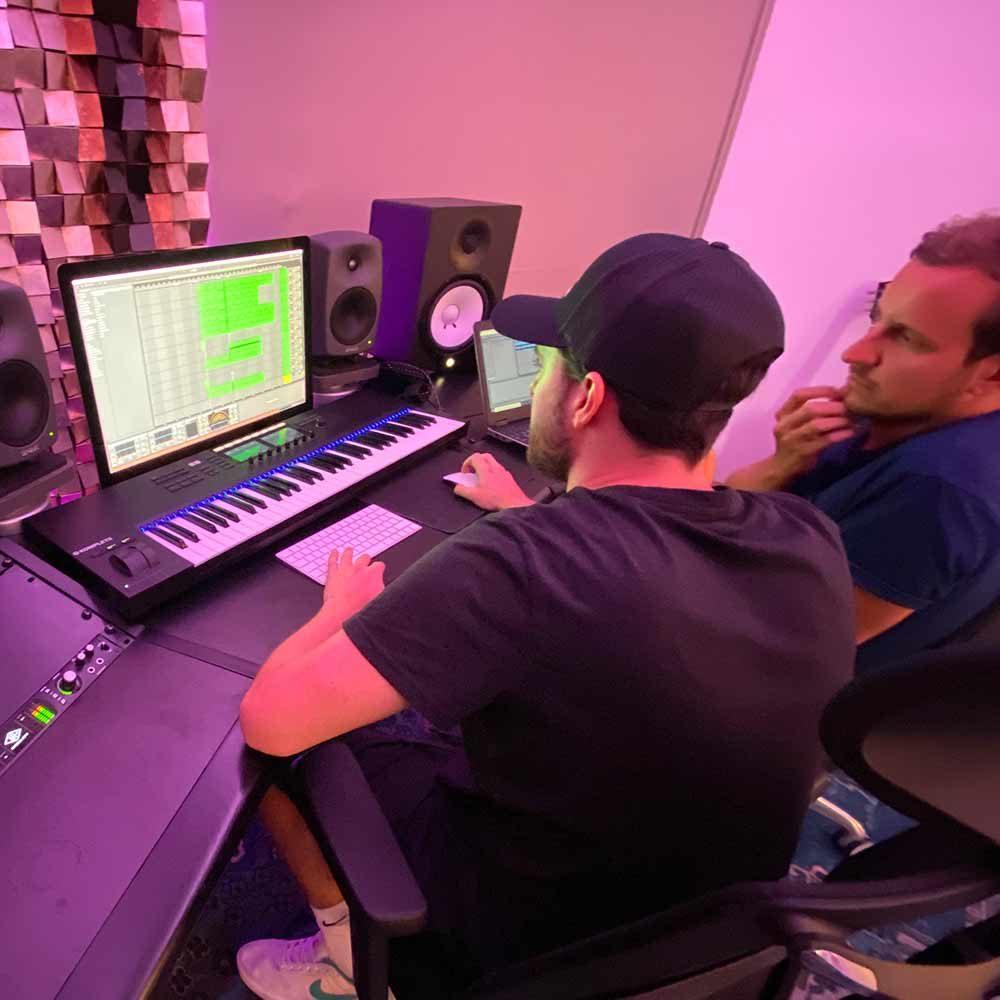 wavebeat-musik-produktion-studio-Linz.jpg